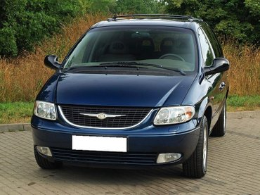 Chrysler Grand Voyager 2002 в Узген
