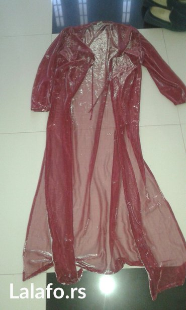 Ogrtac moze da se koristi na dugu kratku haljinu i da ga kombinujete - Backa Palanka