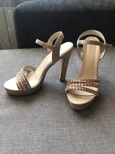 Женская обувь в Бает: Продаю туфли 38 размер, надевала один раз на выпускной