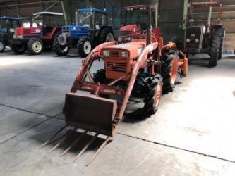 Продается надежный японский мини трактор KUBOTA L1501DT. Оснащен 2х