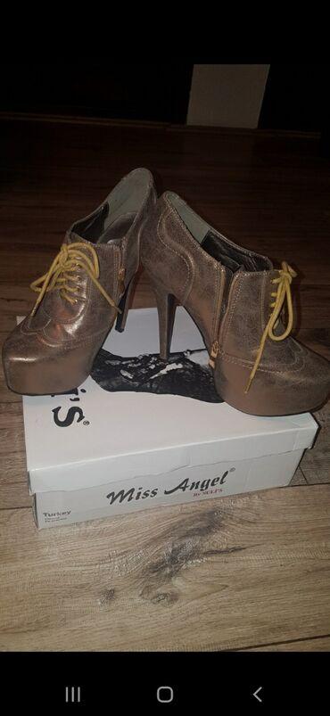 Cipele 39 broj samo za maturu obuvane1000 dinara