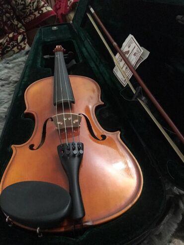Скрипки - Азербайджан: Yeni islenmemis.4/4 ölçüde,Çexiya istehsalı olan,smichok ve smichoka