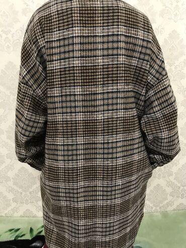 платье рубашка для полных в Кыргызстан: Тёплая рубашка ( Оверсайз) размер стандарт . Купила в Корее . 2000с