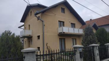 Na prodaju - Srbija: Na prodaju Kuća 250 sq. m, 7 sobe