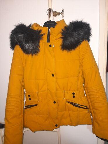 Nova jakna XL naznacena, ali odg za M,manji L. predobra. ima jako