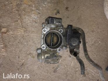 Vozila - Paracin: Glava motora od mazde 323f 1.8