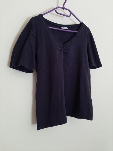 Bluemotion crna majica. Veličina piše L ali odgovara za M