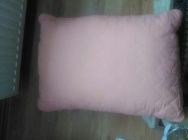 Jastuk 50*80 malo korišćen roze boje - Kikinda