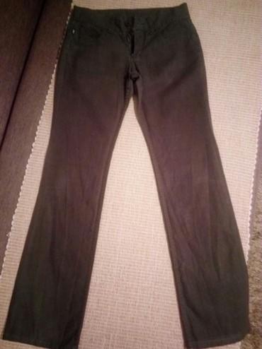 Pantalone boja maslinasto zelena kvalitetne super meka - Srbija: Pamučne,letnje pantalone,jednom obučene.Marka Tiffany