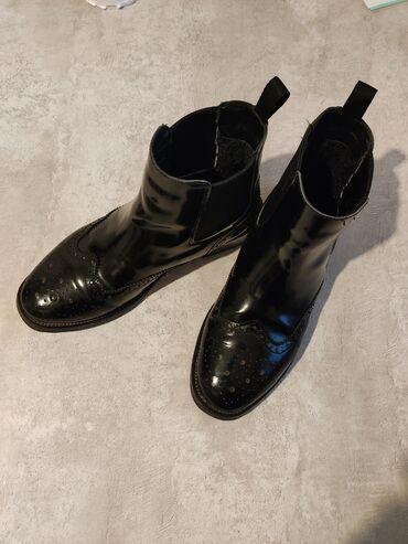 Ботинки, зима В отличном состоянии  Сапоги, Челси, зимние, лакированны