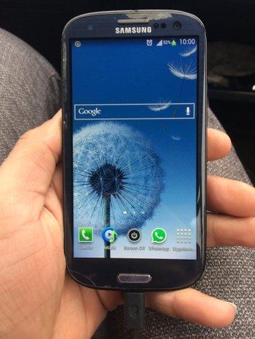 Bakı şəhərində Samsung galaxy s3 yaxwi teldi kabrosu var adaptiri var yaddawi 32 gb h
