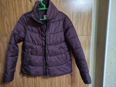 Продаю куртку деми, б/у. Размер М. Покупала в Terra Nova. Цвет