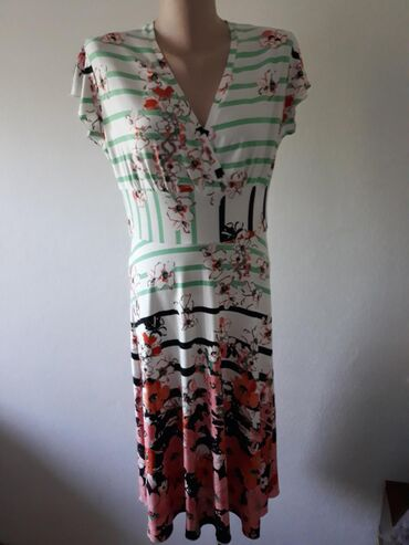 in Kikinda: Par puta obucene haljine celicina XL bele i L braon