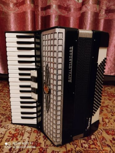 Музыкальные инструменты - Кыргызстан: Продам аккордеон немецкий, срочно