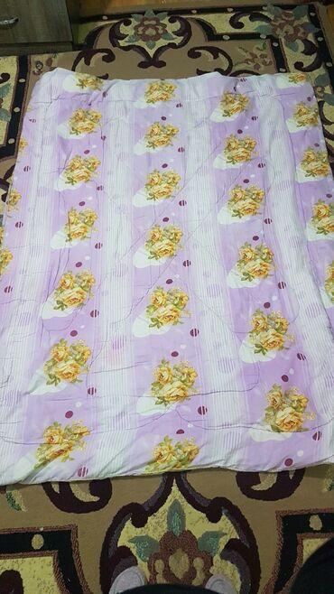 Одеяло синтепон б/у в наличии 4 шт по 150сом. Размер 1.50х195