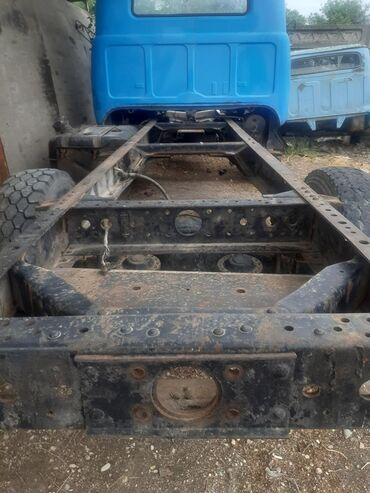 На Зил 130 рама кабина передний балка с рессорами блок коленвал