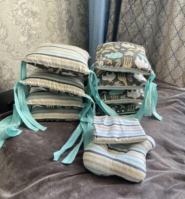 гелиевые шарики бишкек in Кыргызстан | ДРУГИЕ ТОВАРЫ ДЛЯ ДЕТЕЙ: Ботинки на кроватку