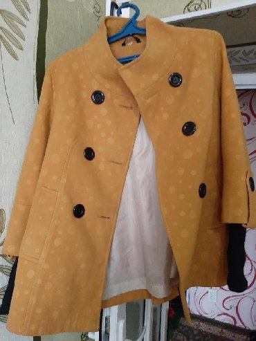 весен пальто в Кыргызстан: Очень красивое осенне-весеннее полупальто,покупала в Москве, состояние