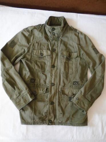 Vojnička muška jakna od jakog i izdržljivog materijala sa kapuljačom u
