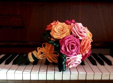 Bidermajeri sa cvetovima od papira ručne izrade nikoga ne ostavljaju - Velika Plana