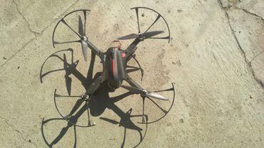 Продам дрон! Радиус полёта 1 км. В хорошем состоянии . 2 батареи по 15