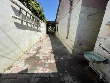 bakida 2 otaqli kohne evlerin qiymeti in Azərbaycan   KOMPLEKS TƏMIR: 200 kv. m, 3 otaqlı, Kombi