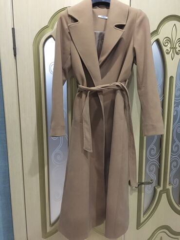 Новое пальто Pitti размер SM,4000 сом