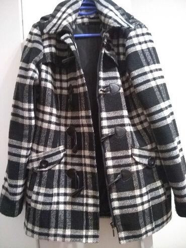 Bele sa farmerice - Srbija: Zenske jakne, kaputi, dzemperi,duxevi, farmerice, torbe poslovne i