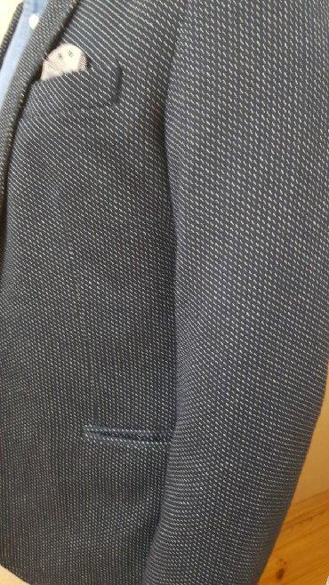 əl işi kişi ayaqqabısı - Azərbaycan: Zara bədən ölçüsü 52 (m//l) 45azn rəngi göy və bozun qatışığıXaricdə