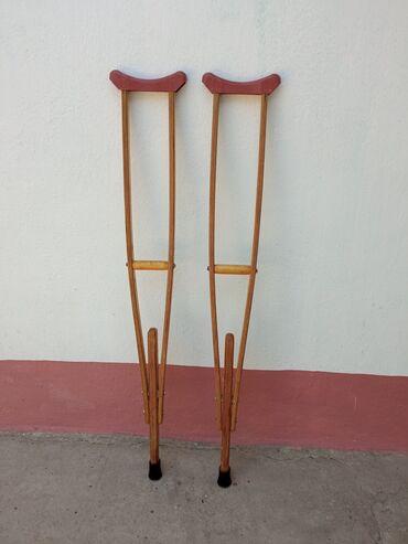 Медтовары - Араван: Костыли продаются, деревянные,крепкие. Резина почти новая. На рукоятке