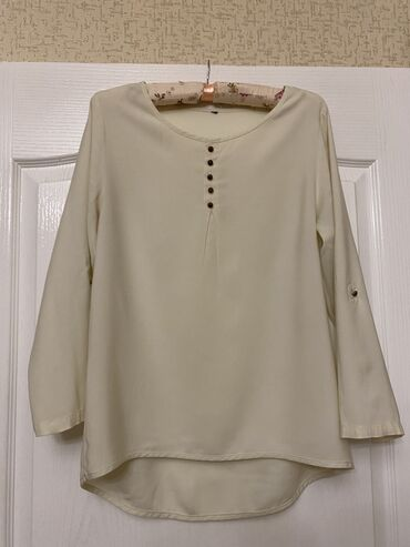 shellak s dizajn manikjurom в Кыргызстан: Рубашка итальянская размера S/M