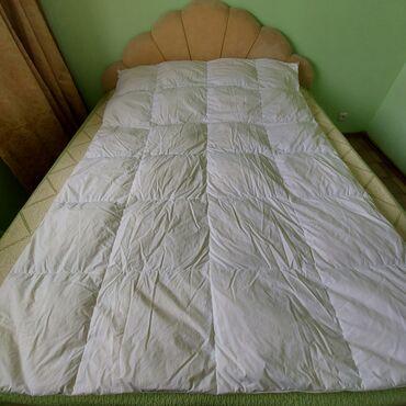 Одеяло теплое, в хорошем состоянии, после химчистки, 1,5-ка