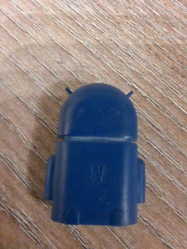 Adapter mikro usb-usb. Za prikazivanje sadržaja sa usb-a na mobilnom