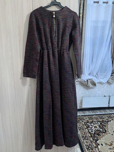 зимние платья в Кыргызстан: Продаю длинное платье  Очень тёплое Как раз на зимние мероприятия  За