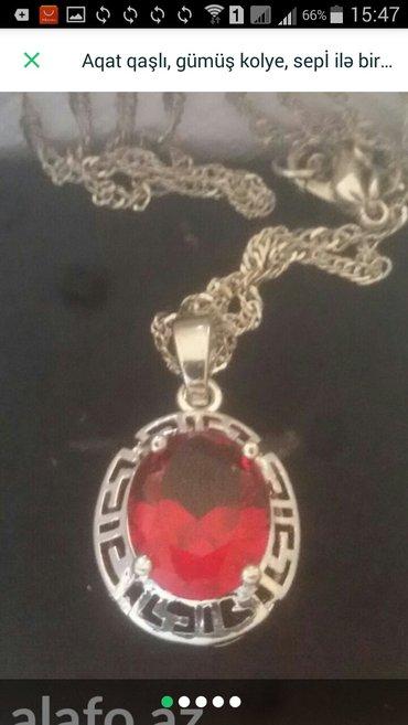 Bakı şəhərində Qranat qaşlı , gümüş kolye.