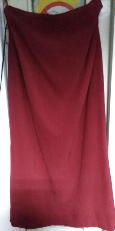 Zenski suknja - Srbija: CRVENA SUKNJA. NOVA. USKA ZA JESENJE DANE SA SLICOM ODOZADA. USKA