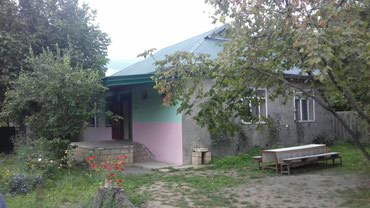 İsmayıllı şəhərində Simayillida kiraye ev bu ev qiz qalasi yolunun qiraqinda yerewir