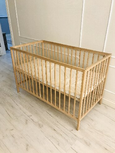 produkcii ikea в Кыргызстан: Продаю срочно!!!!Кроватка IKEA. Делается манежем