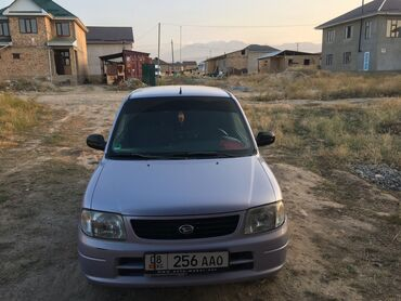 Daihatsu - Кыргызстан: Daihatsu 1 л. 2003 | 152 км
