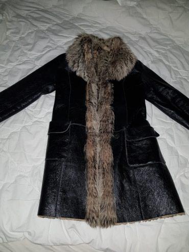 Kozna bunda sa prirodnim krznom. par puta obucena. velicina M