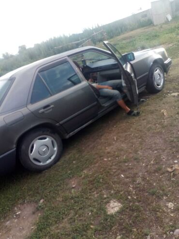 Транспорт - Раздольное: Mercedes-Benz 230 2.3 л. 1987