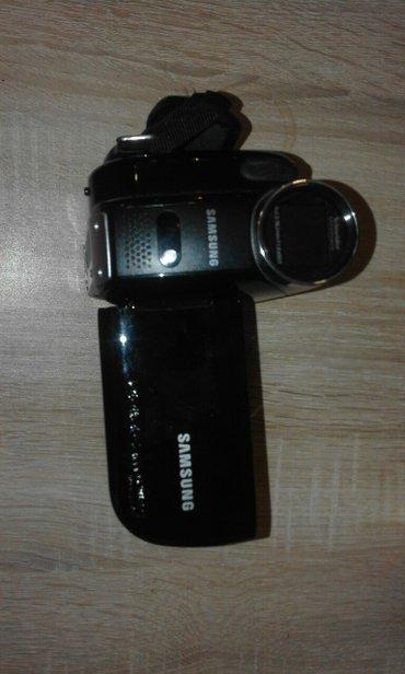 Bakı şəhərində Video kamera original... Disk ve karta yazir. Az ishlenib.