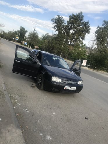 Volkswagen Golf 2000 в Бишкек