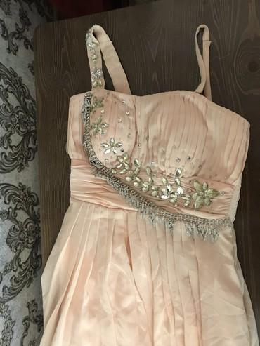 вечерние платье в пол в Кыргызстан: Очень нежное вечернее платье в пол. Надевалось 1 раз