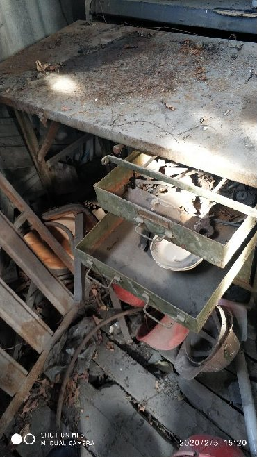 угольник стол в Кыргызстан: Столярный стол,все яшечки есть