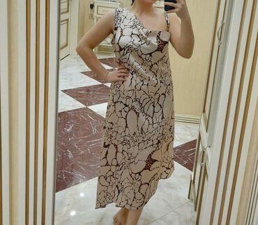 - Azərbaycan: Dress L