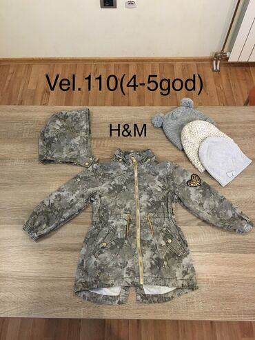 H&M Vel.110(4-5god) za devojcice. Mere su na slikama.Jakna za