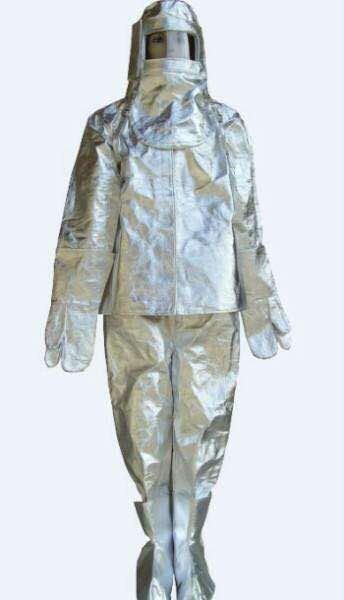 Огнеупорный костюм .держит до в Бишкек