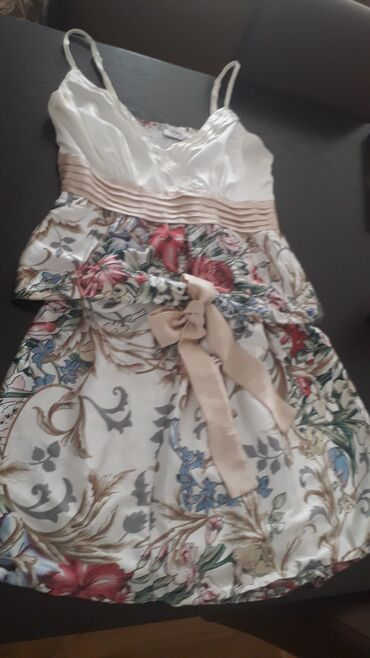 Haljine   Pozarevac: Divan letnji komplet, cista svila, prelepog dezena i kombinacija