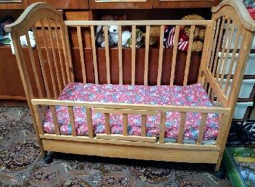 Детская кроватка, боковая спинка съёмная, в наличии
